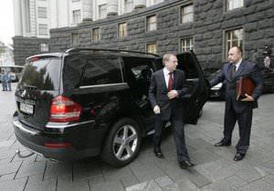Лукашенко одобрена конфискация авто