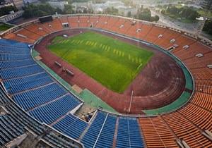Лукашенко требует начать реконструкцию стадиона